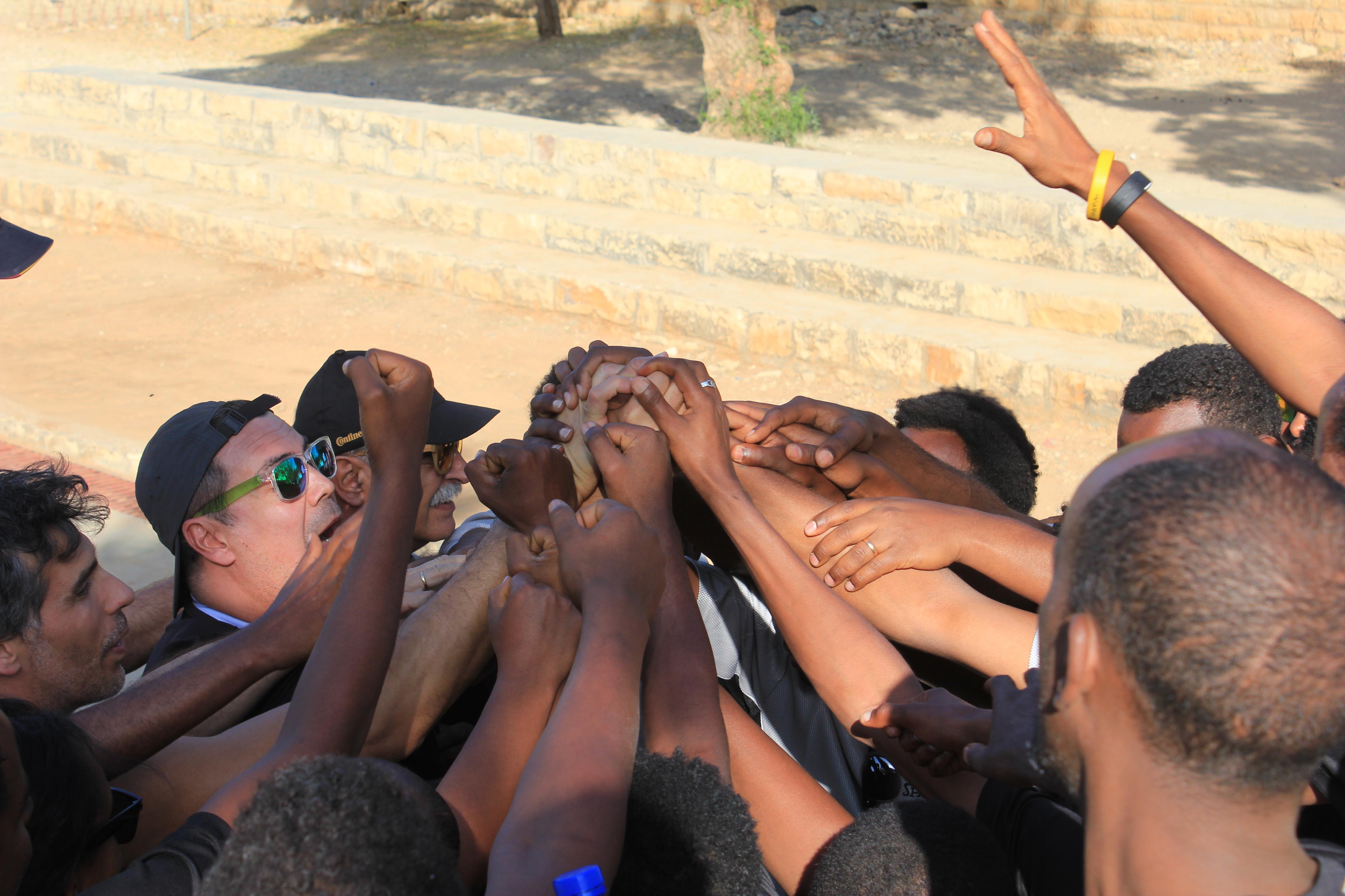 Ayúdanos a construir una cancha de baloncesto para nuestra escuela deportiva en Wukro (Etiopía)