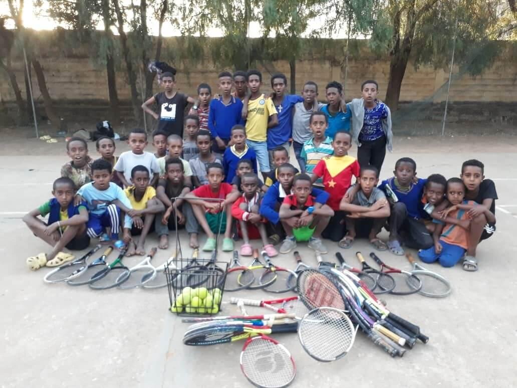 La escuela de tenis de Wukro también suspende sus actividades