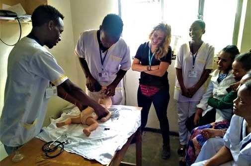 Formación de matronas en nuestra clínica de Wukro (Etiopía)